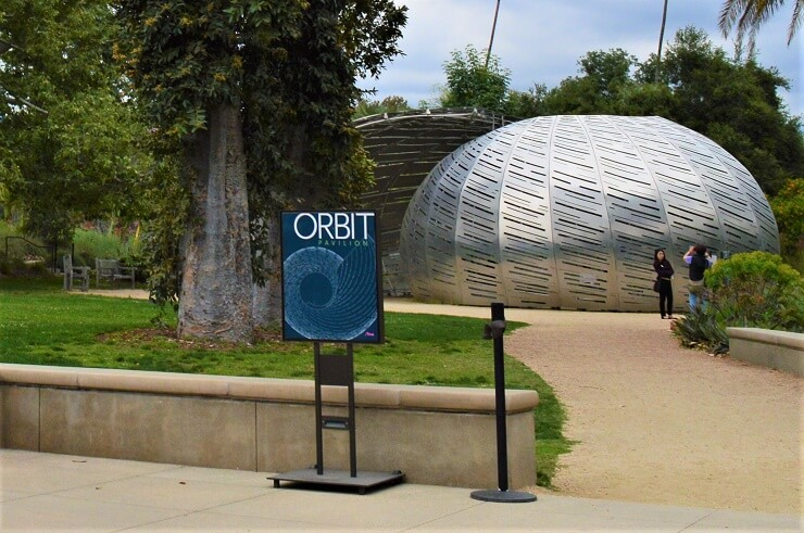 Орбитальный павильон в ботаническом саду Хантингтона