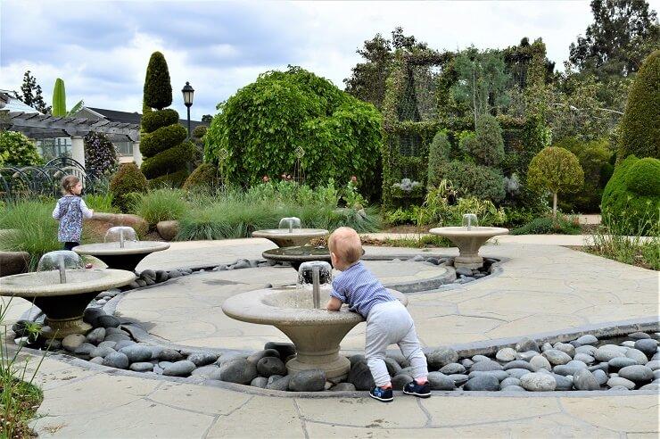 Фонтанчики в ботаническом саду Хантингтона