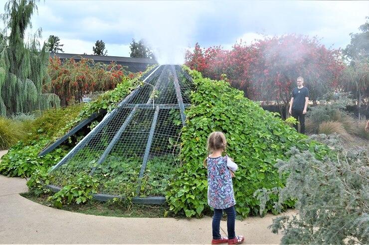 Вулкан в ботаническом саду Хантингтона