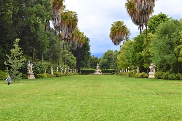 Скульптуры в ботаническом саду Хантингтона