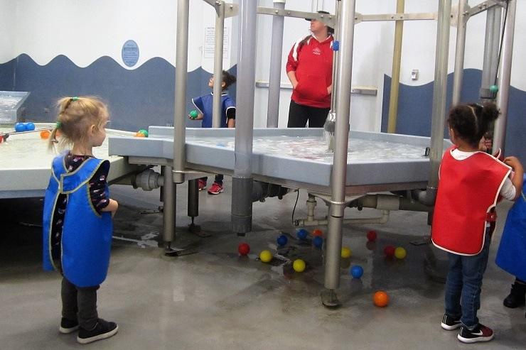 Детский музей в Сан-Хосе. Зона игры с водой