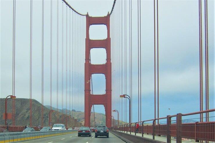 Проезд по мосту Золотые Ворота