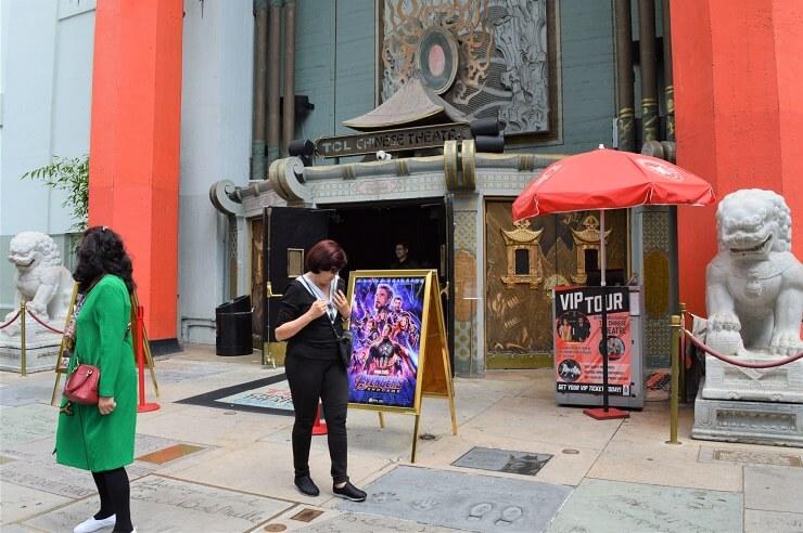 Китайский театр Граумана. Львы у входа