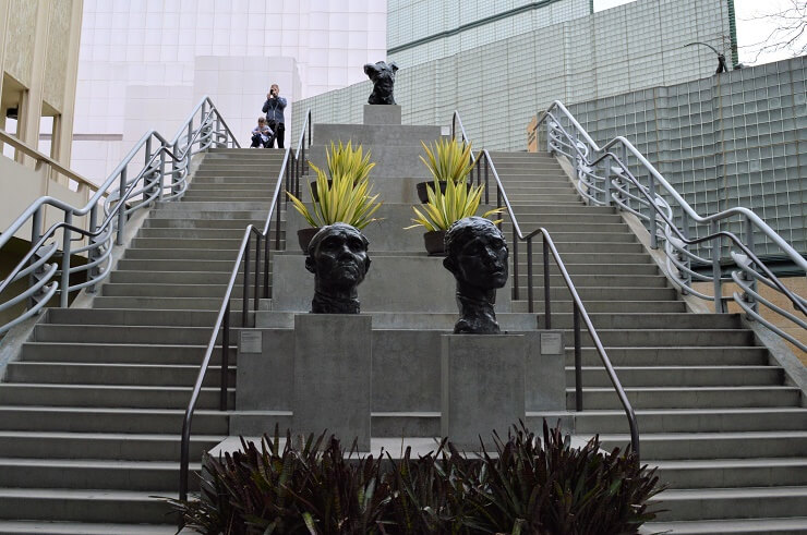 Лестница у Музея искусств округа Лос-Анджелес
