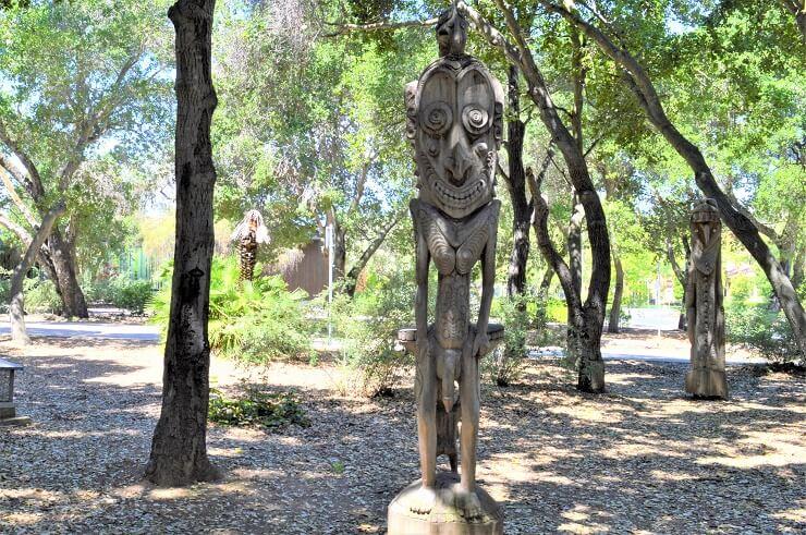 Сад скульптур Новой Гвинеи