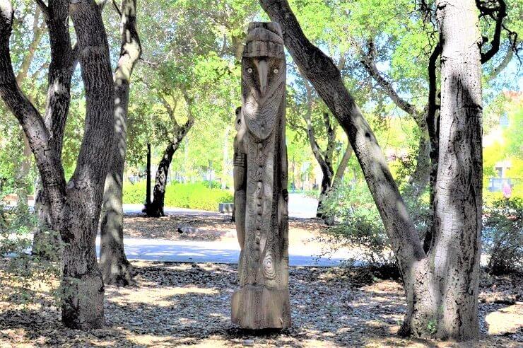 Сад скульптур Новой Гвинеи в Стэнфорде